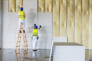 Constructores utilizando pladur en una reforma