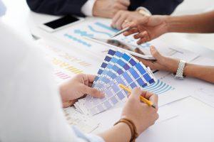 Selección de colores para el interiorismo de una empresa que siga la identidad corporativa